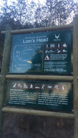 lions head trail sign